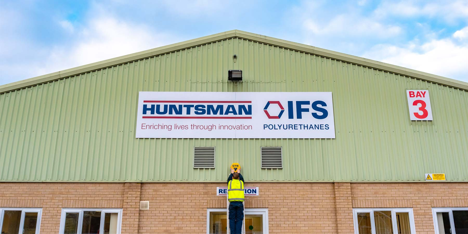 CTS Engineer installing bell box at Huntsman IFS Polyurethanes